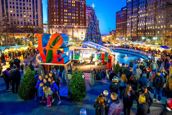 christmas village love sculpture credit russ brown photography