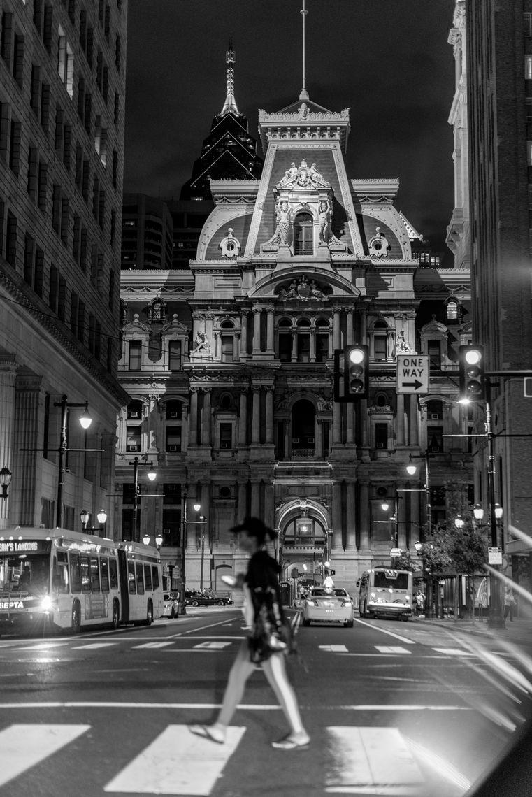 black and white image of city hall in philadelphia