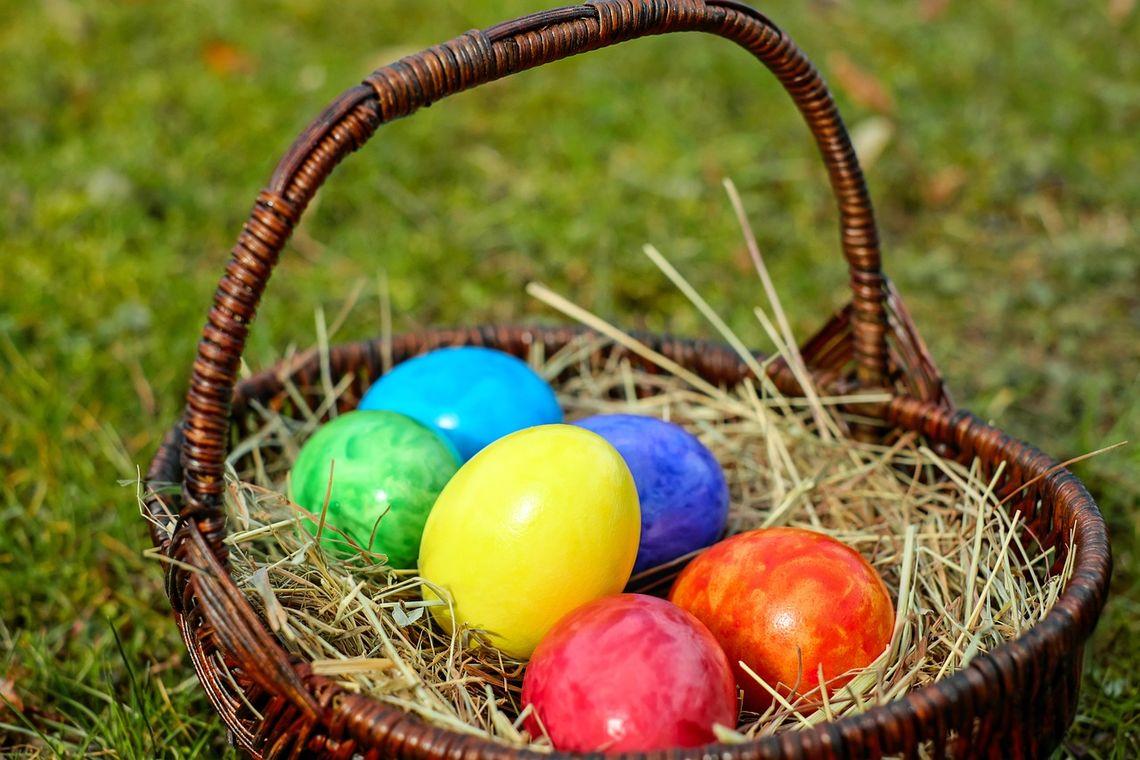 easter eggs 2093315 1280