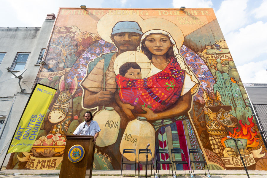 Families Belong Together © 2018 Ian Pierce (Ekeko) / City of Philadelphia Mural Arts Program.